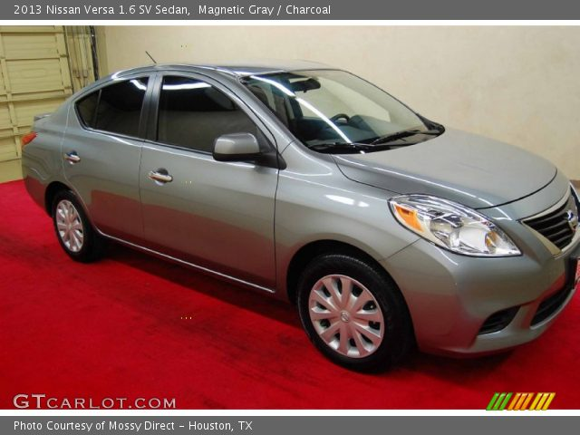 magnetic gray 2013 nissan versa 1 6 sv sedan charcoal interior vehicle. Black Bedroom Furniture Sets. Home Design Ideas