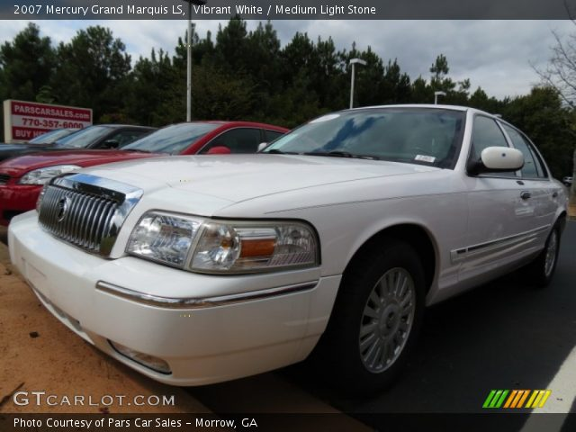 vibrant white 2007 mercury grand marquis ls medium. Black Bedroom Furniture Sets. Home Design Ideas