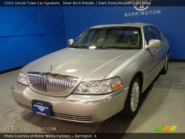 2003 Lincoln Town Car Signature in Silver Birch Metallic