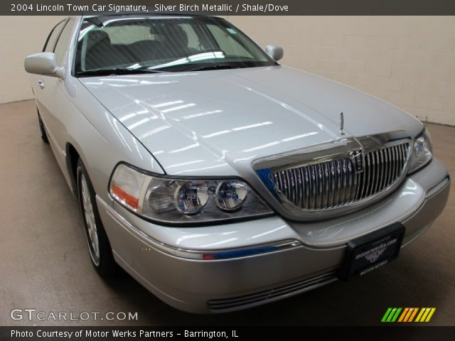 2004 Lincoln Town Car Signature in Silver Birch Metallic