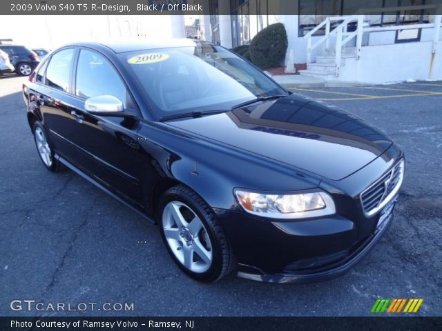 2009 Volvo S40 T5 R-Design in Black
