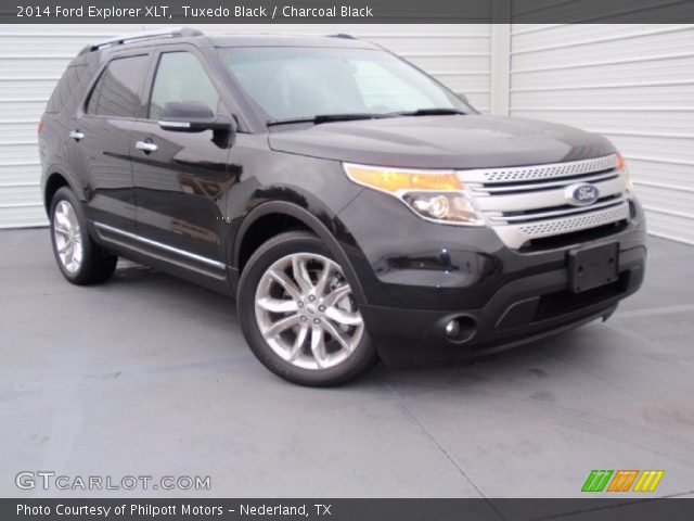 Tuxedo Black 2014 Ford Explorer Xlt Charcoal Black Interior Vehicle Archive