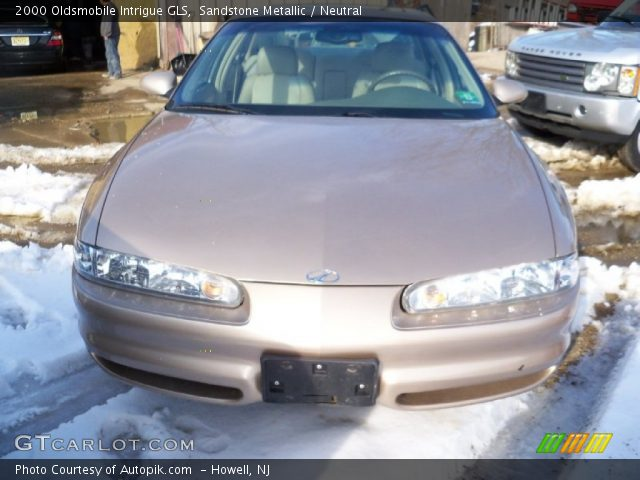 2000 Oldsmobile Intrigue GLS in Sandstone Metallic