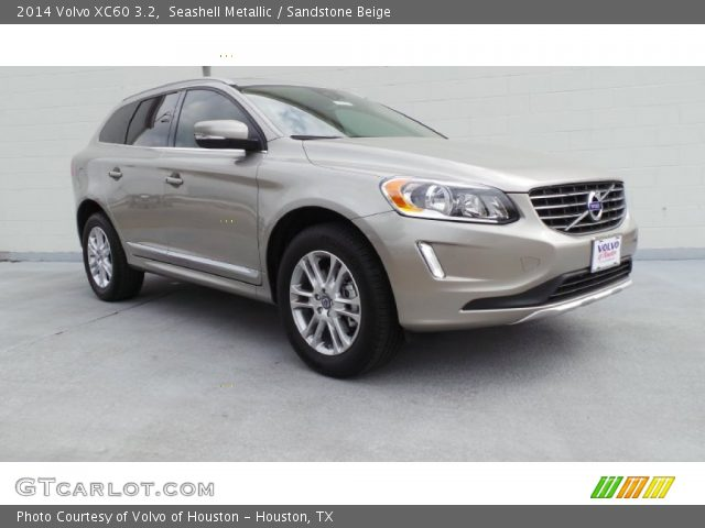 2014 Volvo XC60 3.2 in Seashell Metallic