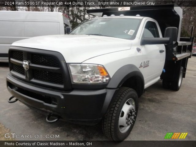 2014 Ram 5500 ST Regular Cab 4x4 Dump Truck in Bright White