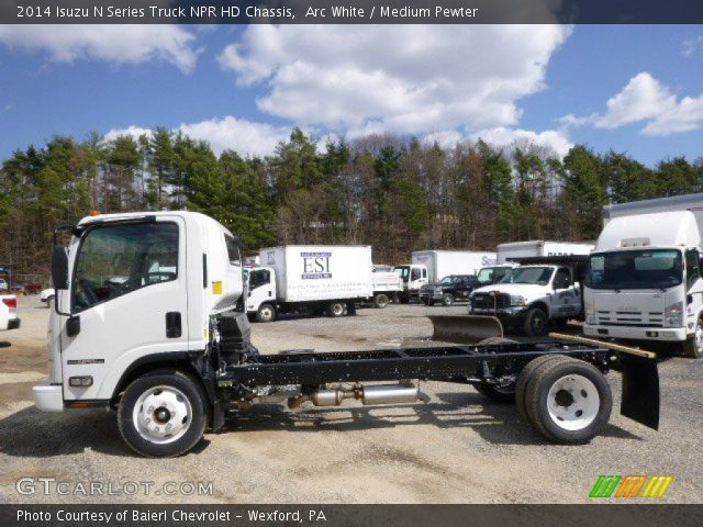 2014 Isuzu N Series Truck NPR HD Chassis in Arc White