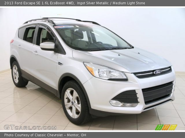 ingot silver metallic 2013 ford escape se 1 6l ecoboost 4wd medium light stone interior. Black Bedroom Furniture Sets. Home Design Ideas