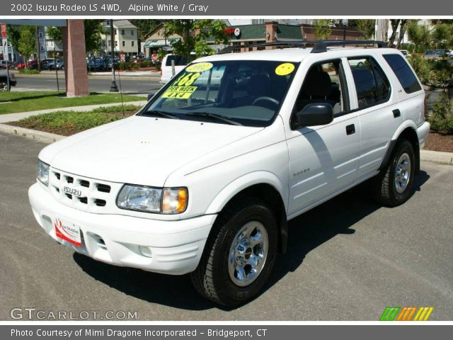alpine white 2002 isuzu rodeo ls 4wd gray interior. Black Bedroom Furniture Sets. Home Design Ideas