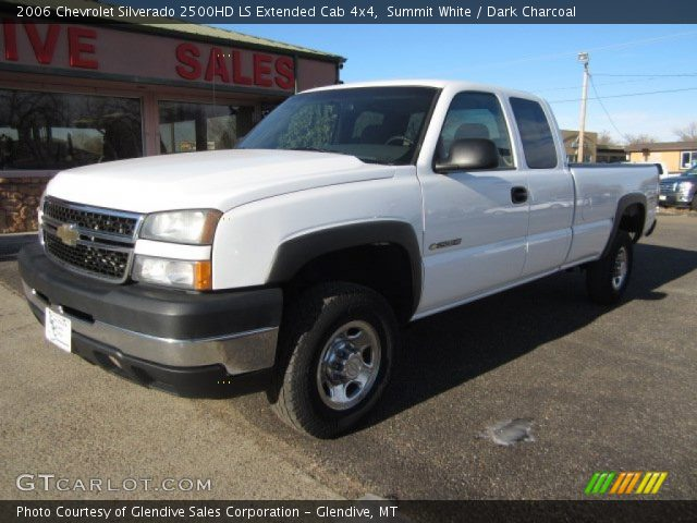 summit white 2006 chevrolet silverado 2500hd ls extended cab 4x4 dark charcoal interior. Black Bedroom Furniture Sets. Home Design Ideas
