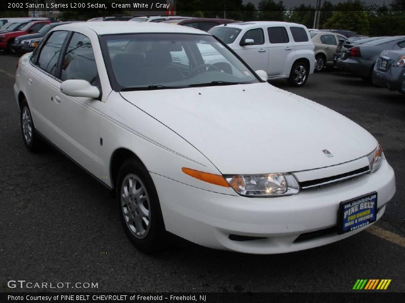 2002 saturn l series l200 sedan in cream white photo no 10135602. Black Bedroom Furniture Sets. Home Design Ideas