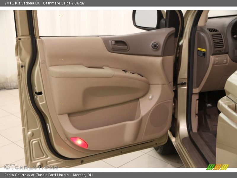 Door Panel of 2011 Sedona LX