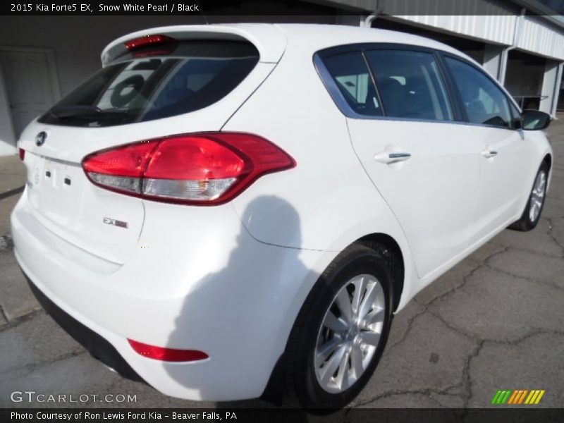 Snow White Pearl / Black 2015 Kia Forte5 EX