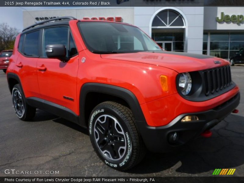 Front 3/4 View of 2015 Renegade Trailhawk 4x4