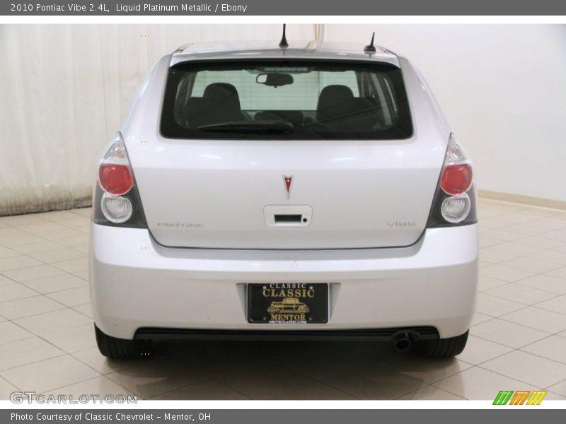 Liquid Platinum Metallic / Ebony 2010 Pontiac Vibe 2.4L