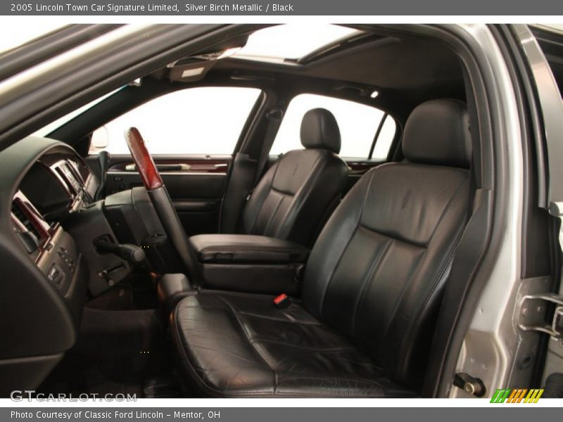 2005 Town Car Signature Limited Black Interior