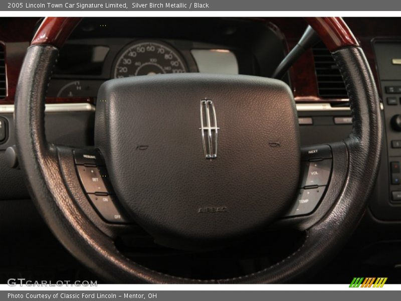 2005 Town Car Signature Limited Steering Wheel