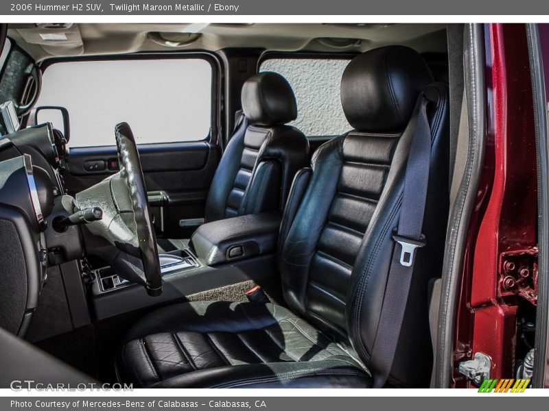 Front Seat of 2006 H2 SUV