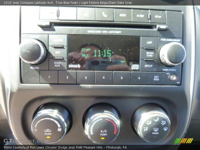 True Blue Pearl / Light Pebble Beige/Dark Slate Gray 2016 Jeep Compass Latitude 4x4