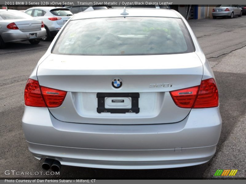 Titanium Silver Metallic / Oyster/Black Dakota Leather 2011 BMW 3 Series 328i xDrive Sedan