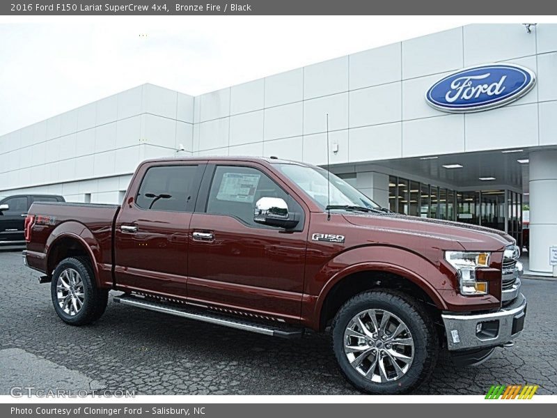 Front 3/4 View of 2016 F150 Lariat SuperCrew 4x4