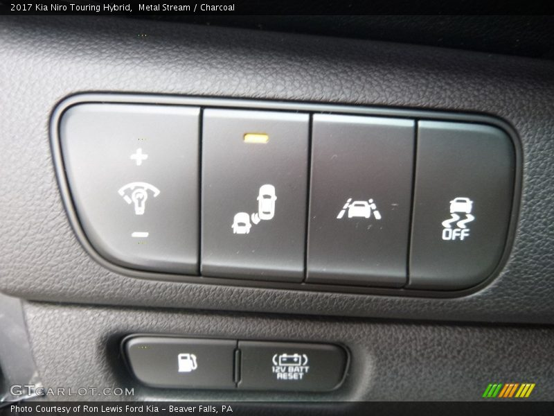 Controls of 2017 Niro Touring Hybrid