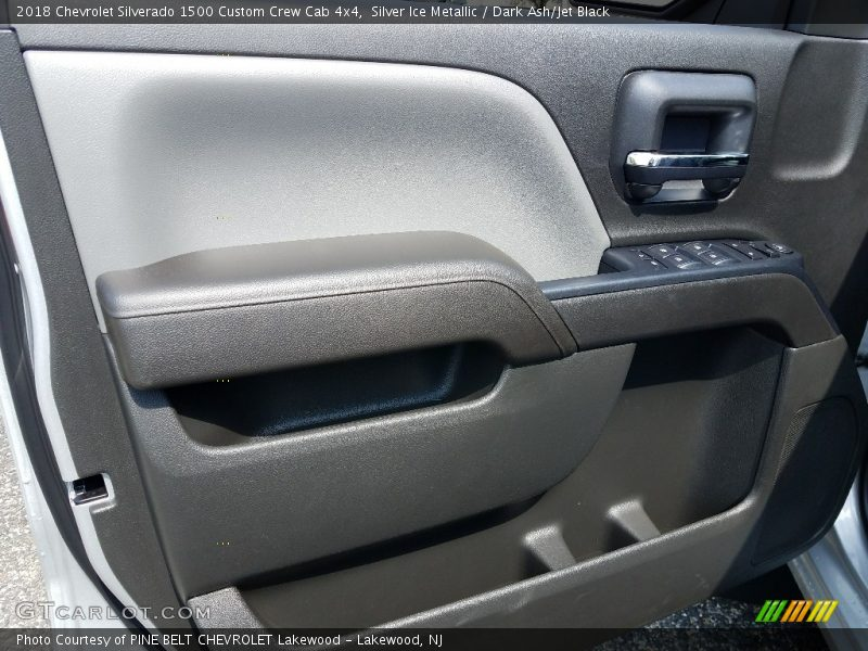 Silver Ice Metallic / Dark Ash/Jet Black 2018 Chevrolet Silverado 1500 Custom Crew Cab 4x4