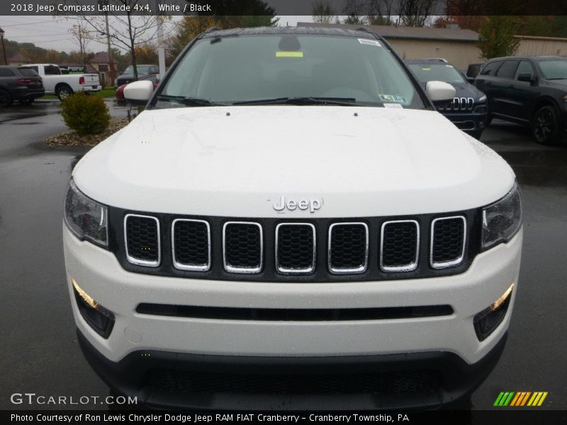 White / Black 2018 Jeep Compass Latitude 4x4