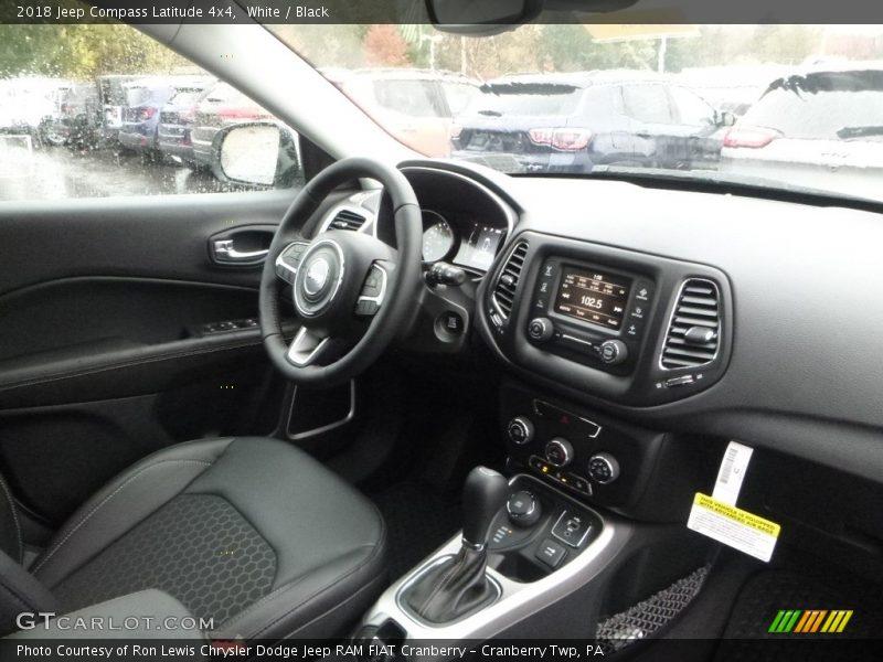 White / Black 2018 Jeep Compass Latitude 4x4