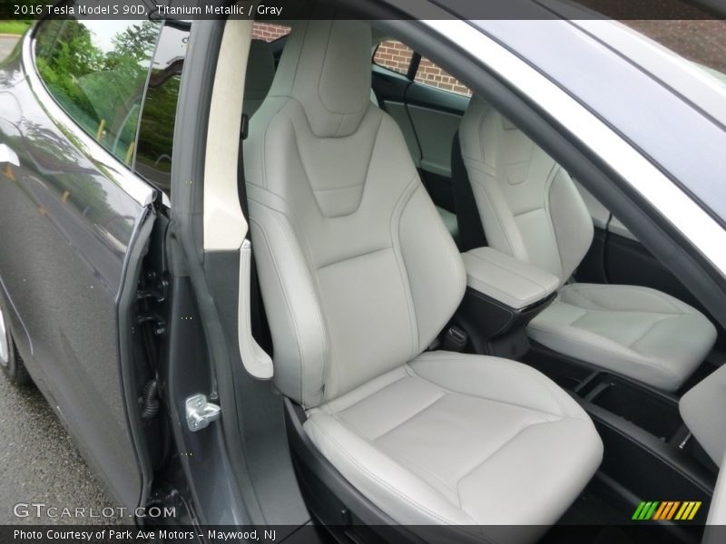 Front Seat of 2016 Model S 90D