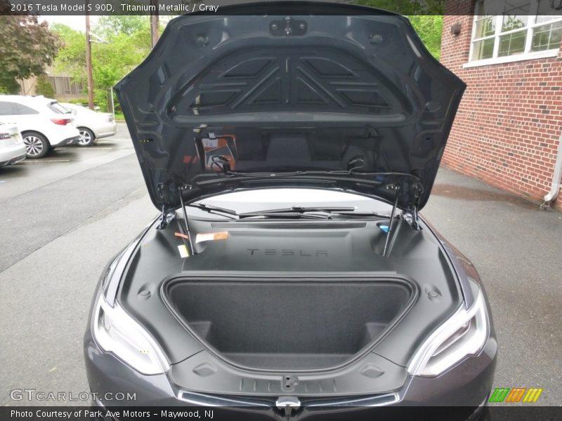 2016 Model S 90D Trunk