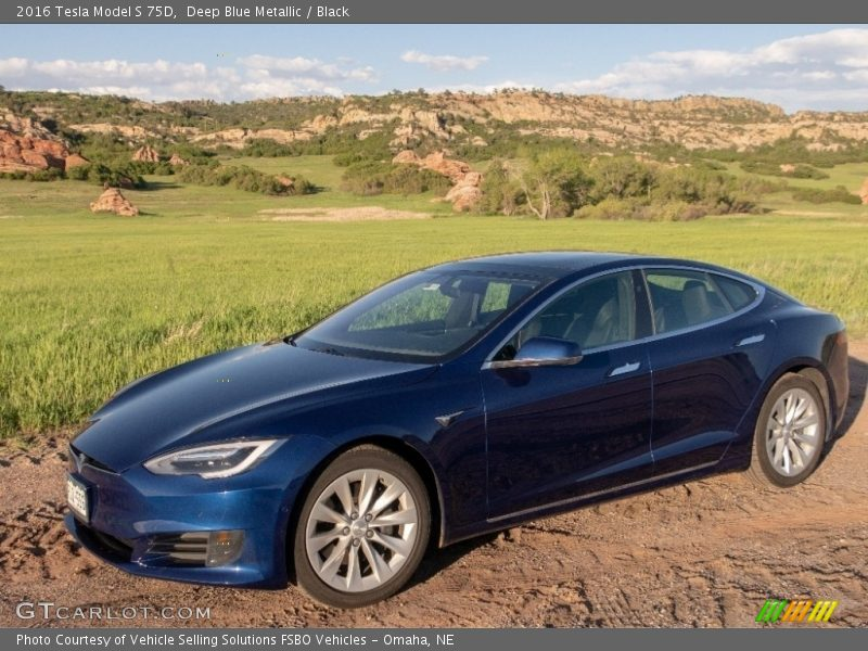 Front 3/4 View of 2016 Model S 75D