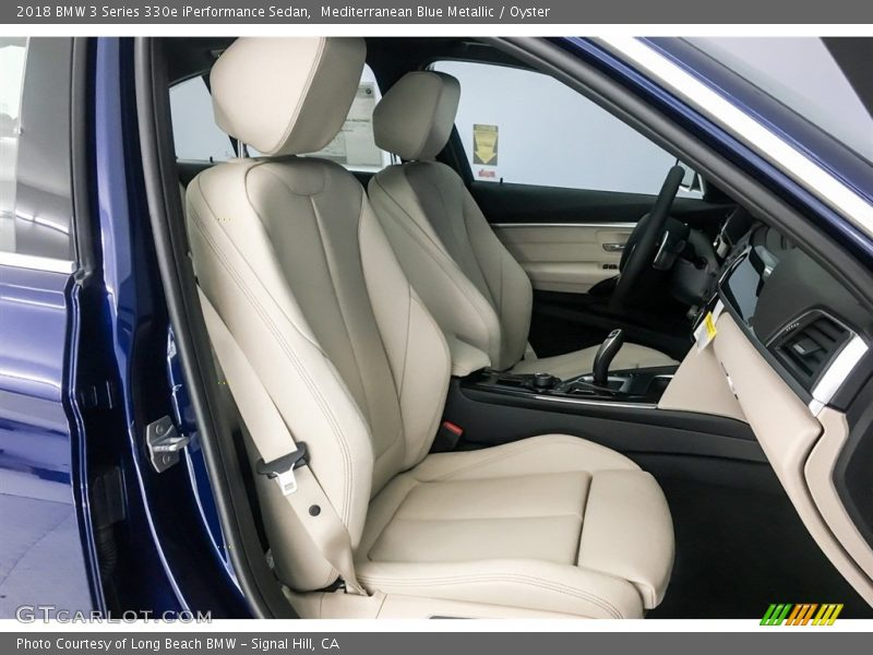 2018 3 Series 330e iPerformance Sedan Oyster Interior