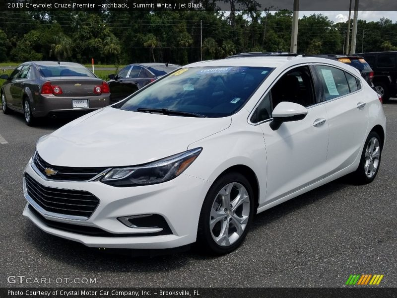 Front 3/4 View of 2018 Cruze Premier Hatchback