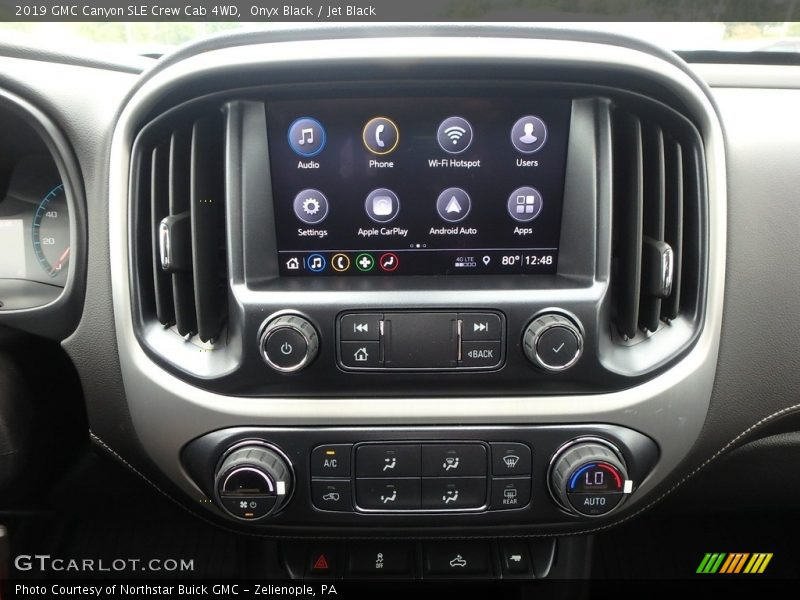 Controls of 2019 Canyon SLE Crew Cab 4WD