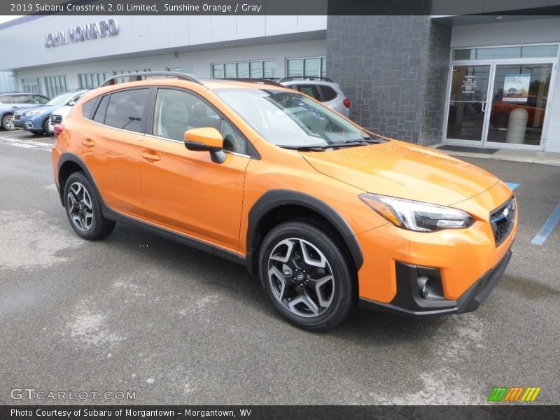 Front 3/4 View of 2019 Crosstrek 2.0i Limited