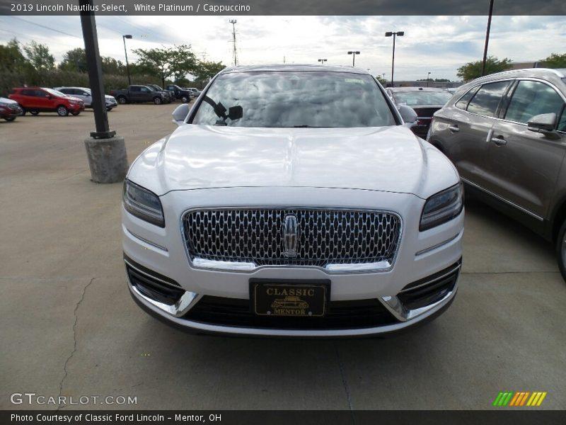 White Platinum / Cappuccino 2019 Lincoln Nautilus Select