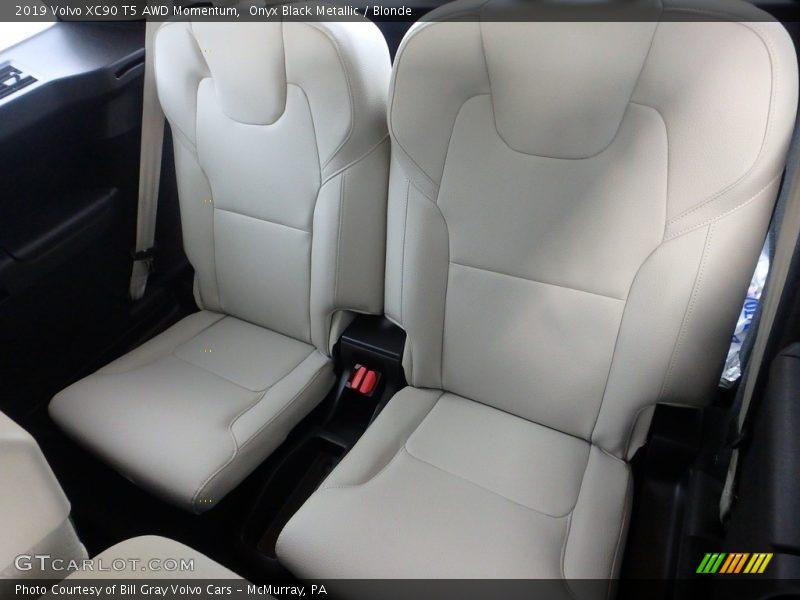 Rear Seat of 2019 XC90 T5 AWD Momentum