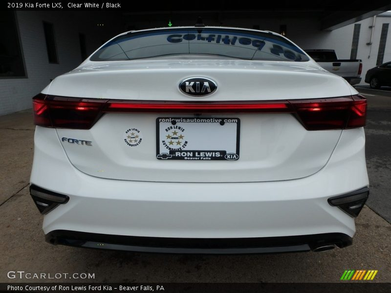 Clear White / Black 2019 Kia Forte LXS