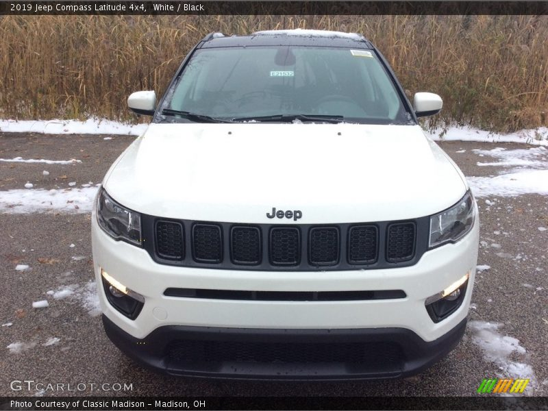 White / Black 2019 Jeep Compass Latitude 4x4
