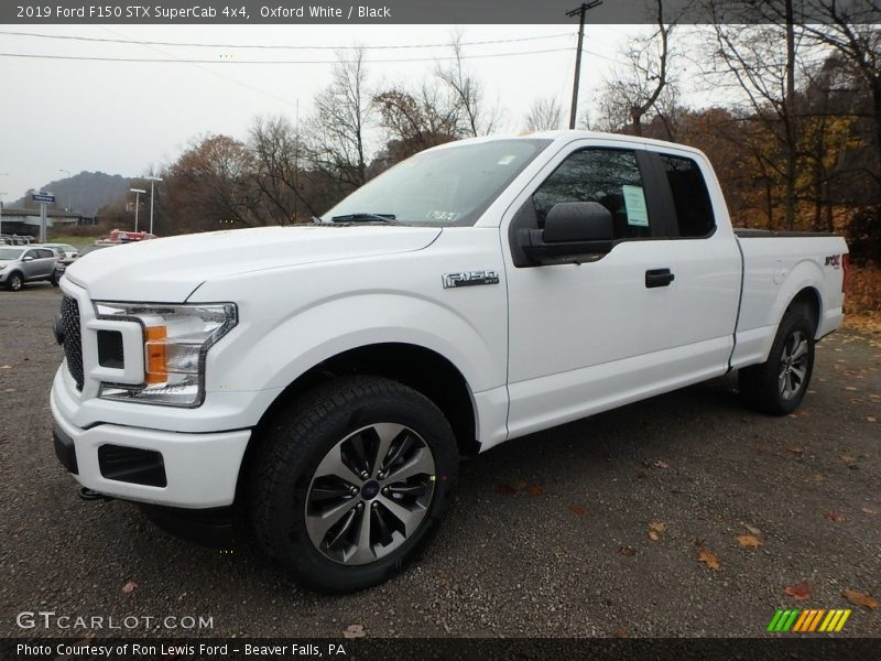Front 3/4 View of 2019 F150 STX SuperCab 4x4