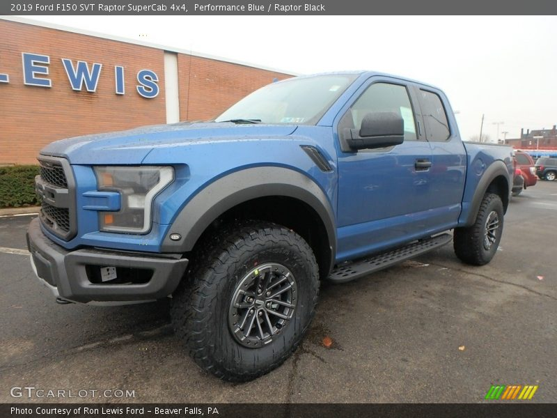 Front 3/4 View of 2019 F150 SVT Raptor SuperCab 4x4
