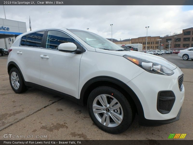 Front 3/4 View of 2019 Sportage LX