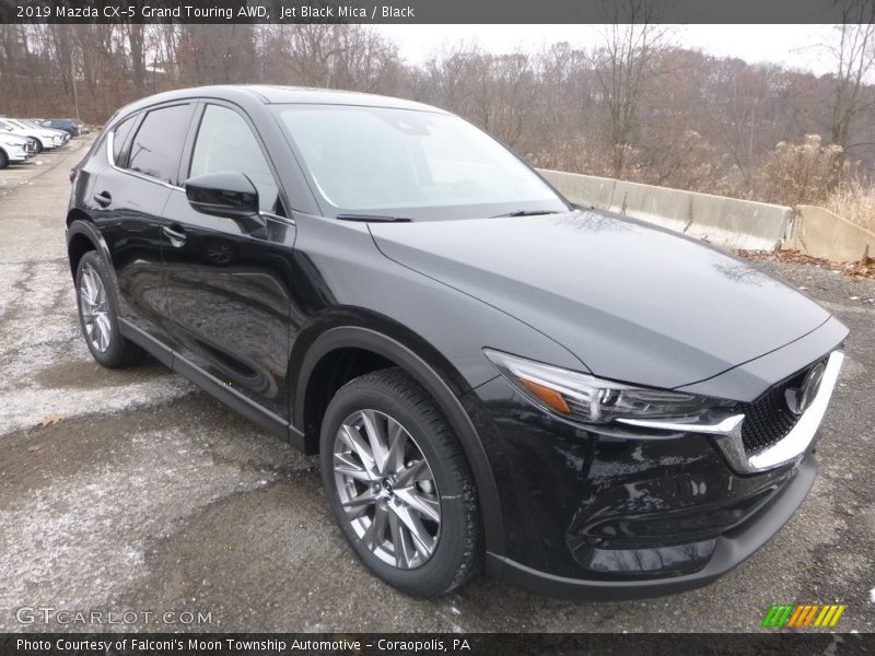 Front 3/4 View of 2019 CX-5 Grand Touring AWD