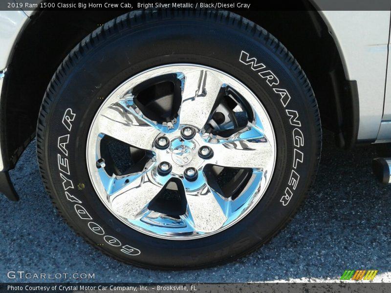Bright Silver Metallic / Black/Diesel Gray 2019 Ram 1500 Classic Big Horn Crew Cab