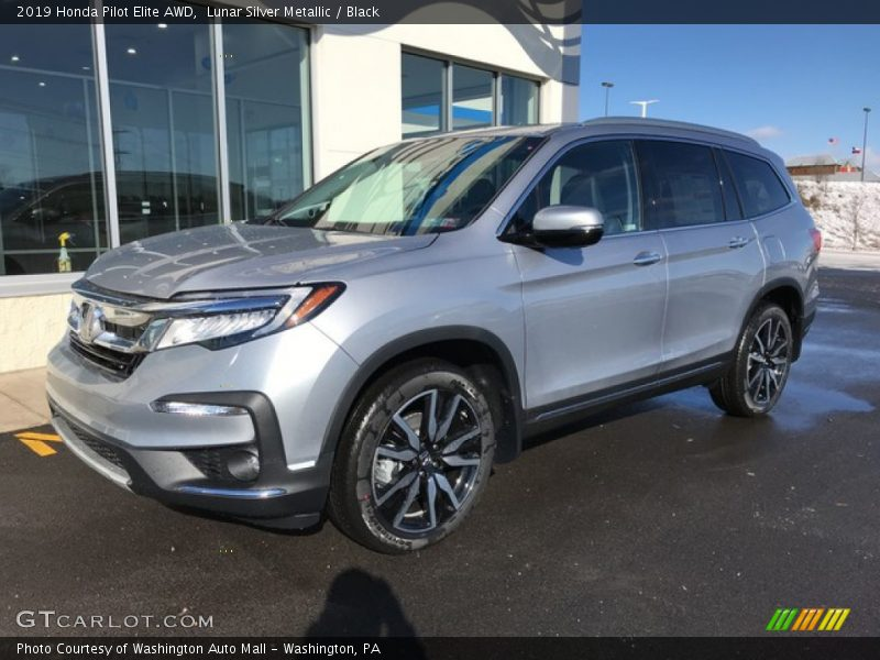 Front 3/4 View of 2019 Pilot Elite AWD