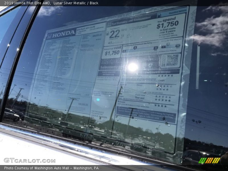Lunar Silver Metallic / Black 2019 Honda Pilot Elite AWD