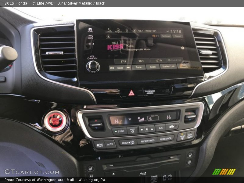 Controls of 2019 Pilot Elite AWD