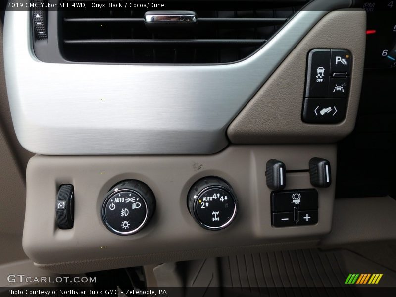 Controls of 2019 Yukon SLT 4WD