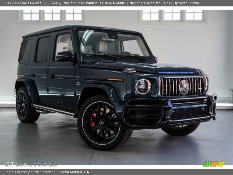 Front 3/4 View of 2019 G 63 AMG