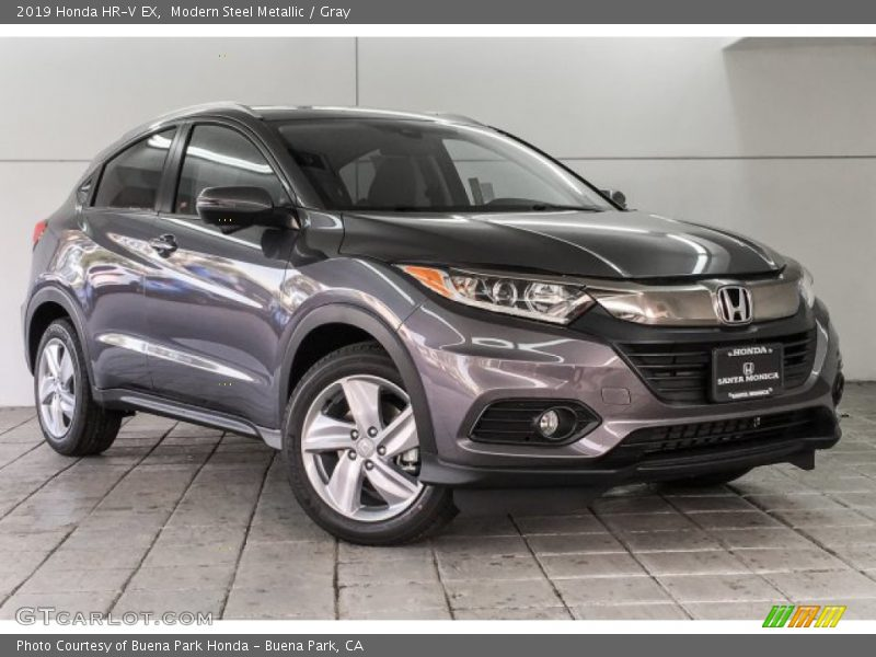 Front 3/4 View of 2019 HR-V EX